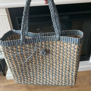 Woven tote bag large. light blue and beige.